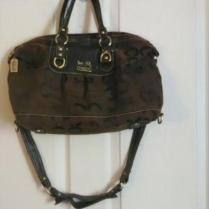 Coach hobo bag with shoulder strap